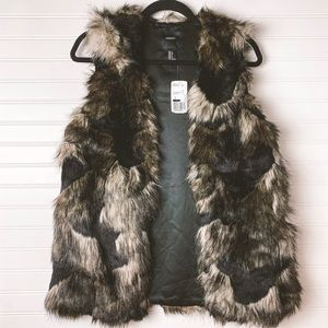 BNWT Forever 21 Faux Fur Vest Small
